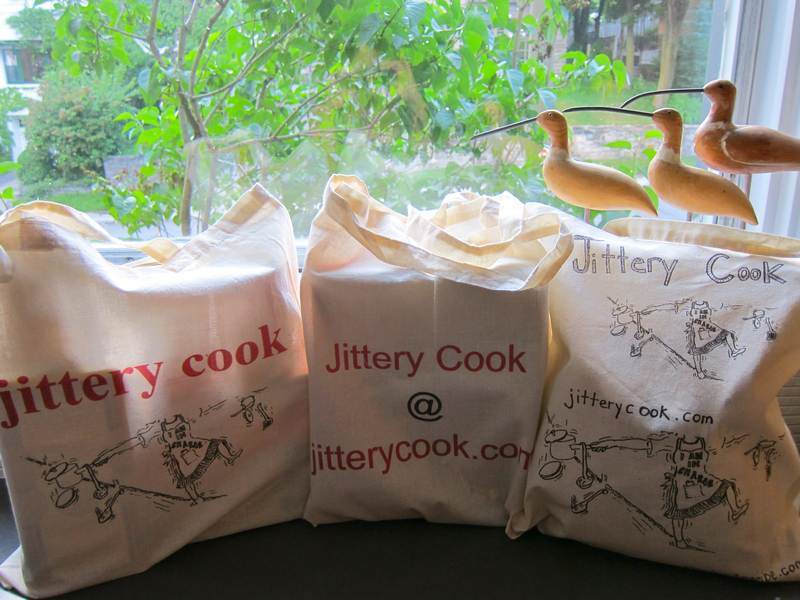 Jittery Cook grocery bags