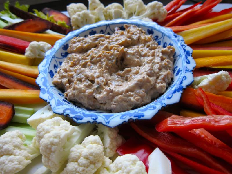 Meatballs with Caramelized Onion Super Dip