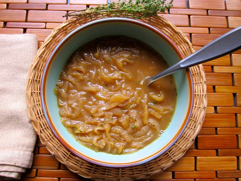 Apple Onion Soup with Thyme – Divine!