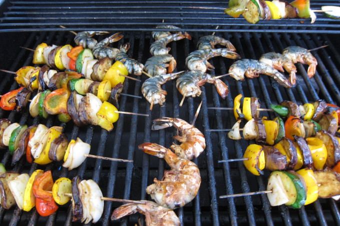 Shrimp & Veggie Skewers – Pass the Pulo